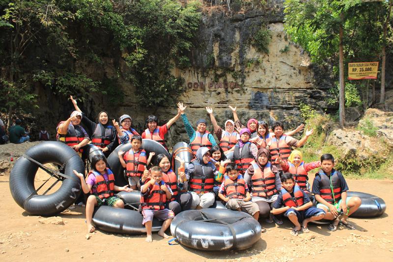 Serunya  Wisata Bersama Kelompok 462