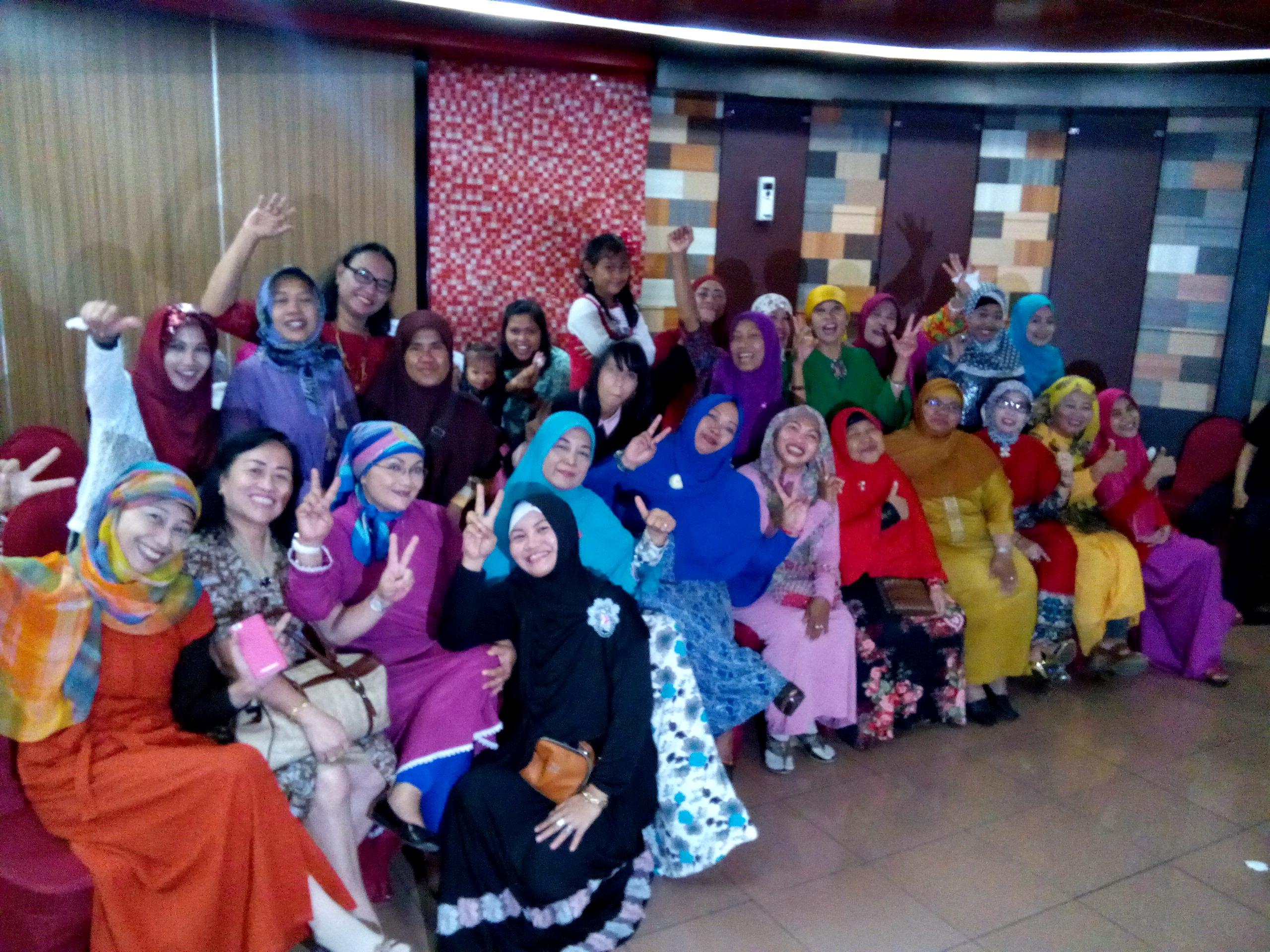 Hebohnya Anggota Kelompok 394 di Halal bi Halal